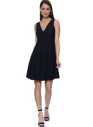 YAS V Yaka Kloş Elbise Siyah